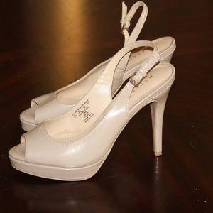 0b6cdbca3 Metaphor Shoes | Womens Paula Slingback Pump | Poshmark